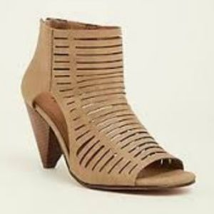 Torrid Size 10W Taupe Caged Cone Heel Bootie